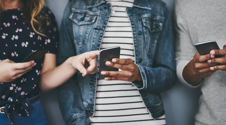 Cómo encontrar fondos de pantalla originales y gratuitos para tu smartphone